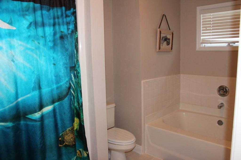 Master Suite - Bathroom - Garden Tub, separate shower, tile flooring