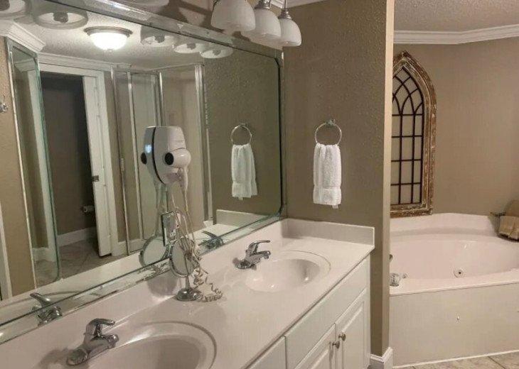 Double vanities master bath