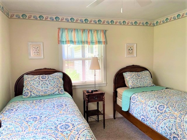 Twin beds in 'Seashell Room'