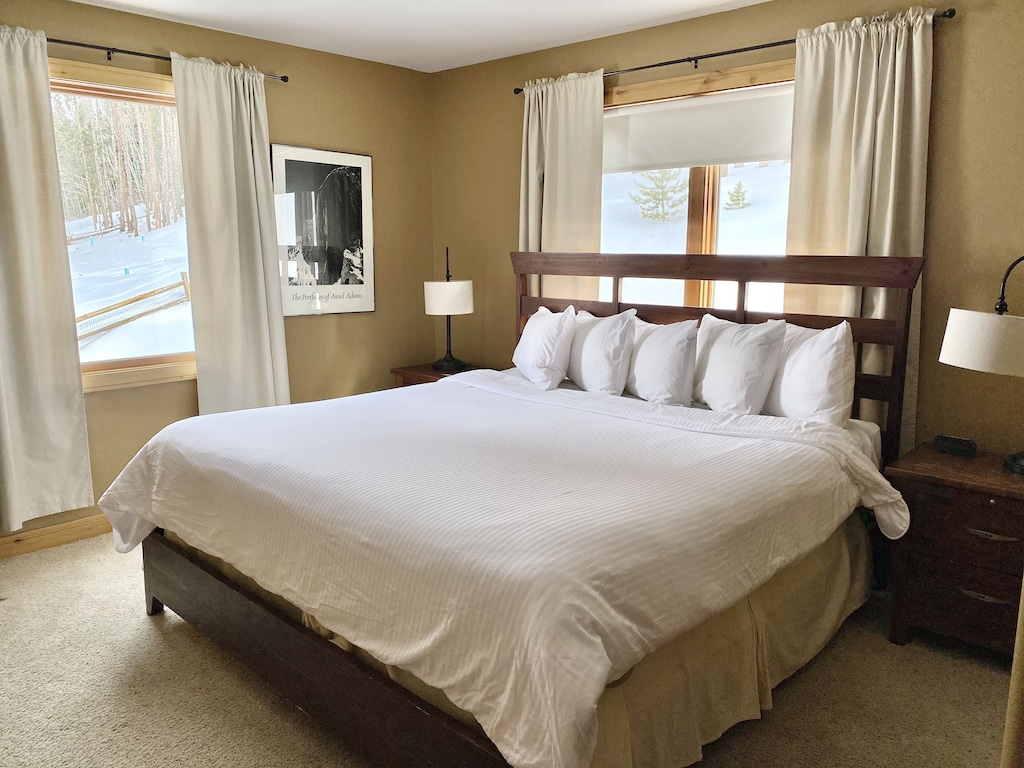 Main Level Bedroom 4 - King bed with private bath