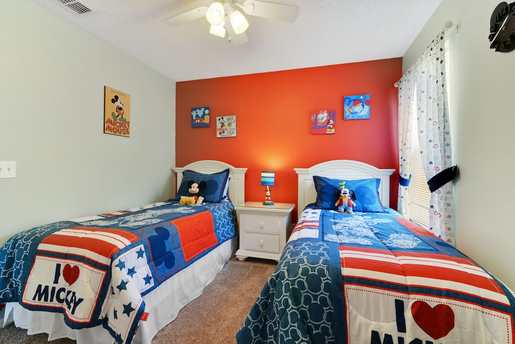 Bright and cheerful décor.