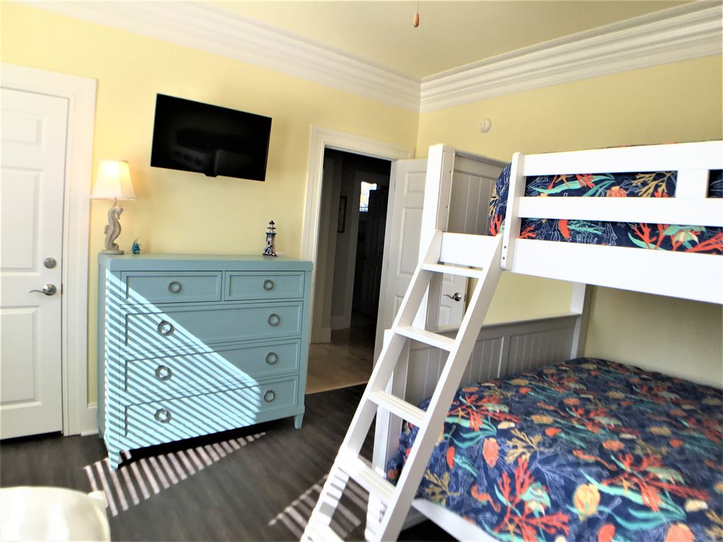 2nd Floor Guest Bedroom 3, tv, bunk w/ full and queen and one twin
