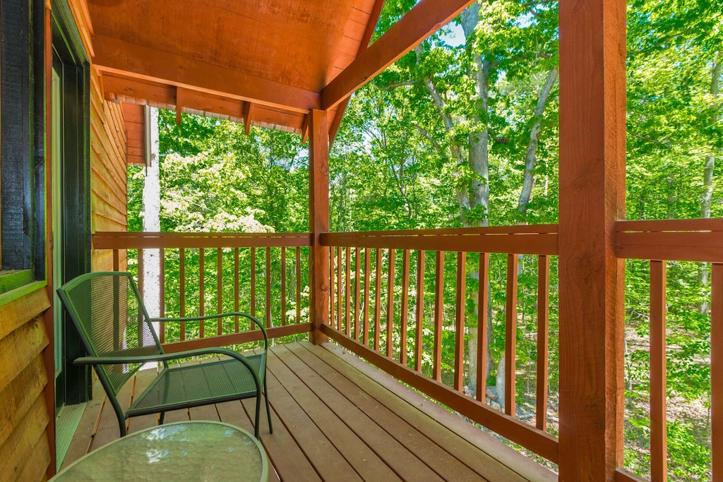 Upstairs Private Deck