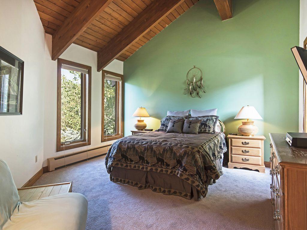 bedroom three, queen bed