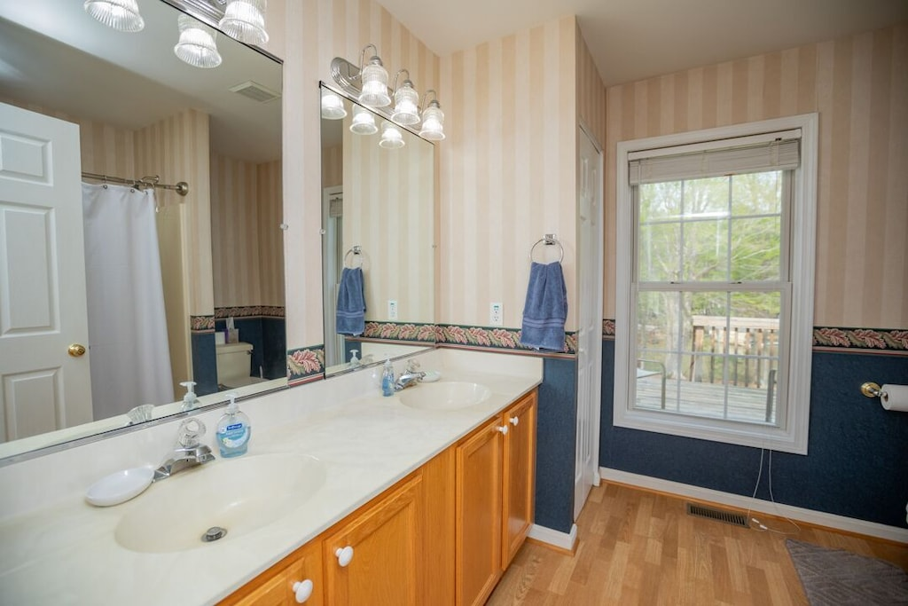 Double sinks in owners suite