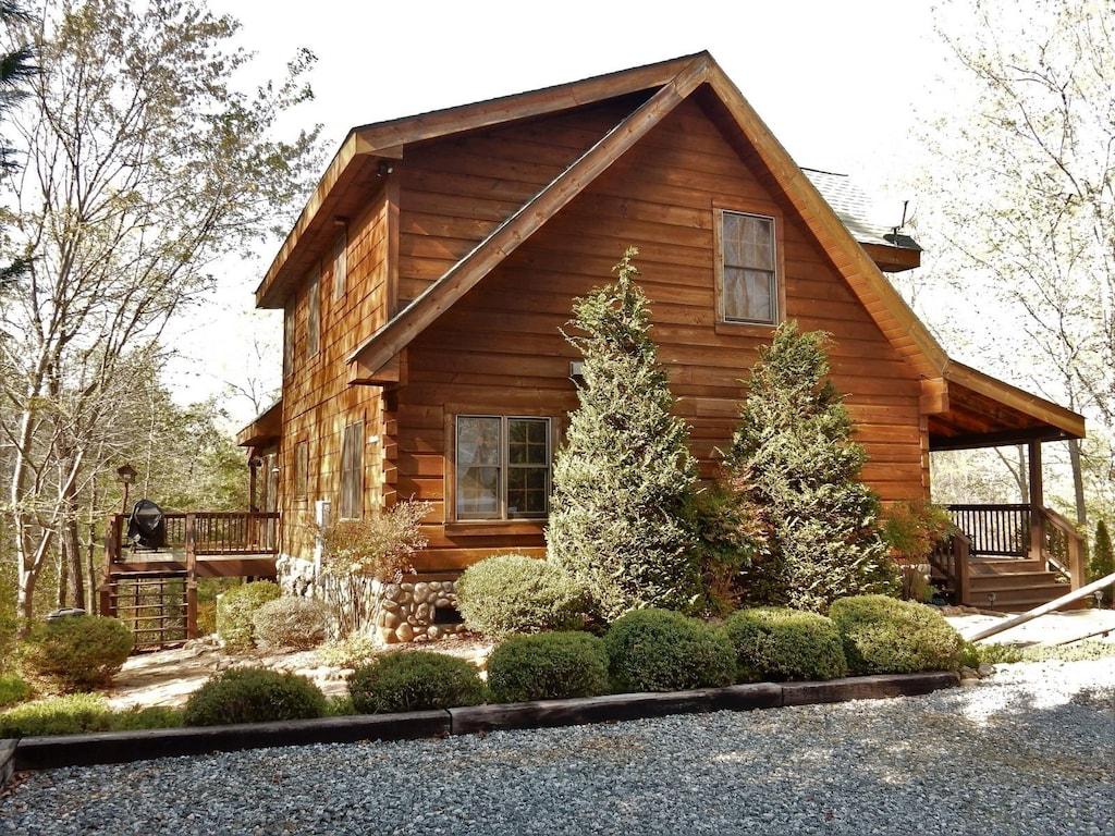 Lake Lure NC Vacation Rental - The Enchanted by Carolina Properties