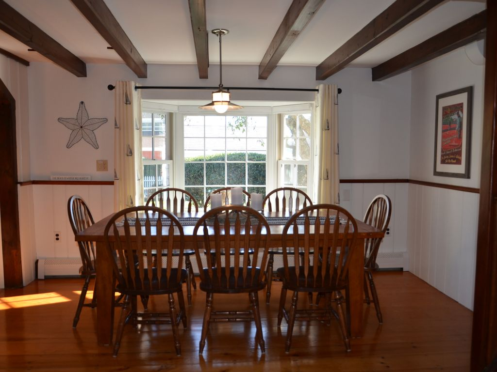 Roomy dining room with table that can extend to seat up to 10 guests.