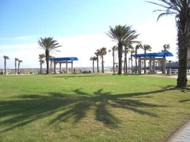 Lovely Oceanside Park Next Door
