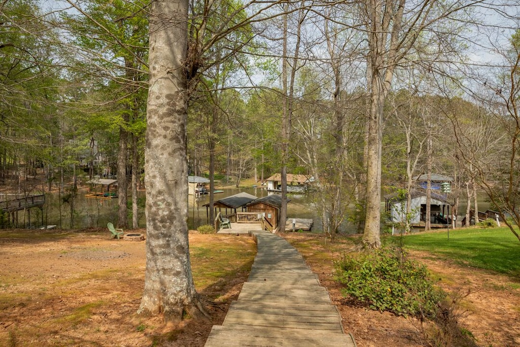 short distance to boat house and dock (new boat house by Memorial Day 2021)