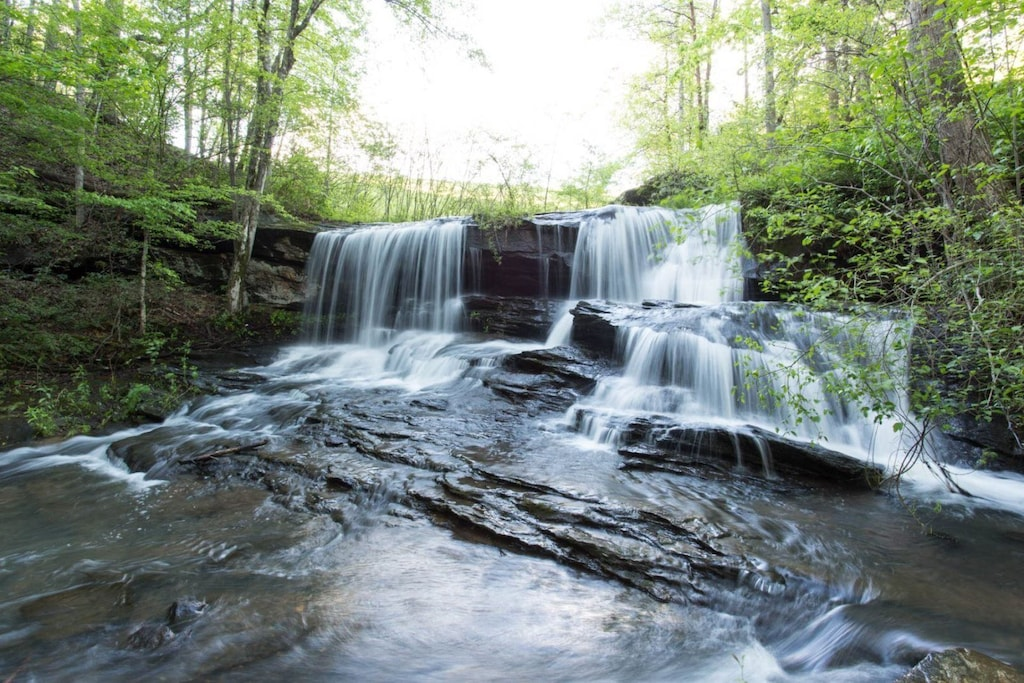 Riverbend amenities, The Rocky Broad River waterfall is beautiful. Step closer for a look at this wonder of nature.