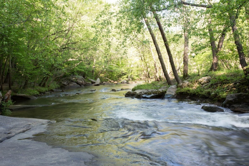 Riverbend amenities - You will surely never tire of the river`s beauty.