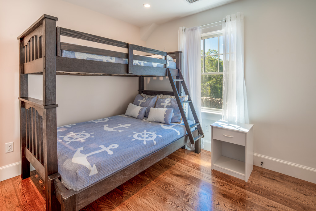 Bunkbeds - Full Size Lower & Twin Above