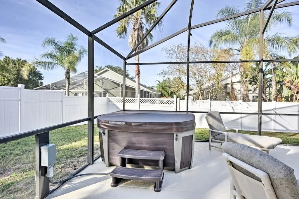 Above Ground Hot Tub with Free Hot Tub Heat