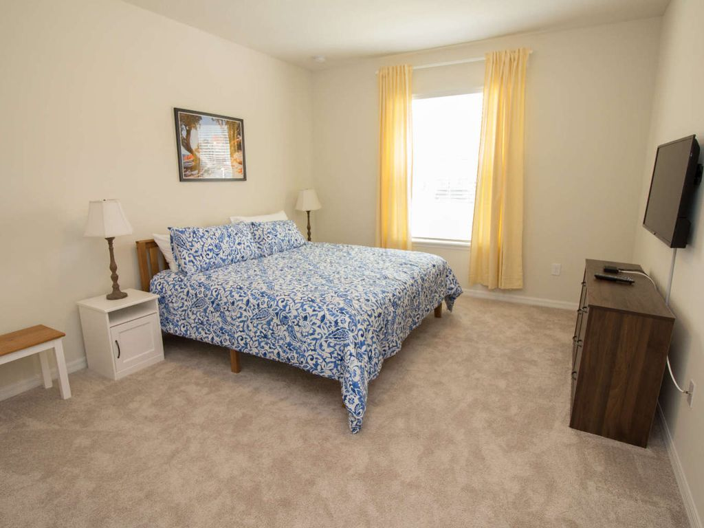 2nd Bedroom- King With Shared Bathroom