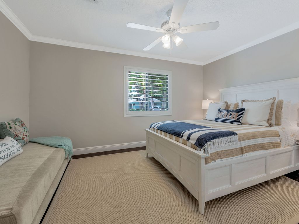 3rd Bedroom with full size day bed