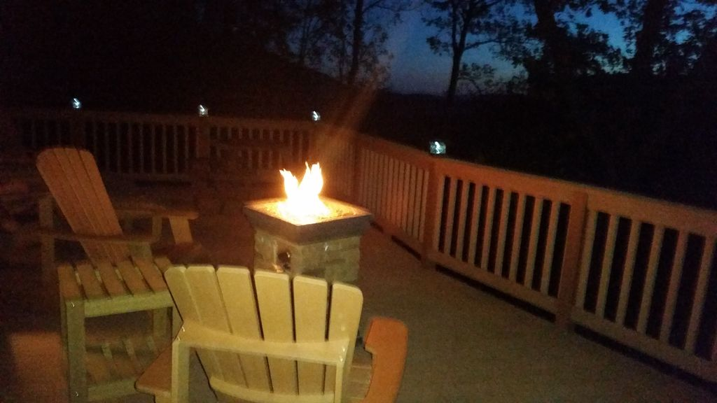 Upper Deck, Firepit, chairs, picnic table