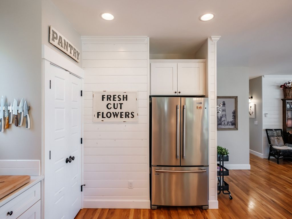 Extra large fridge and pantry space makes cooking for a group easy.