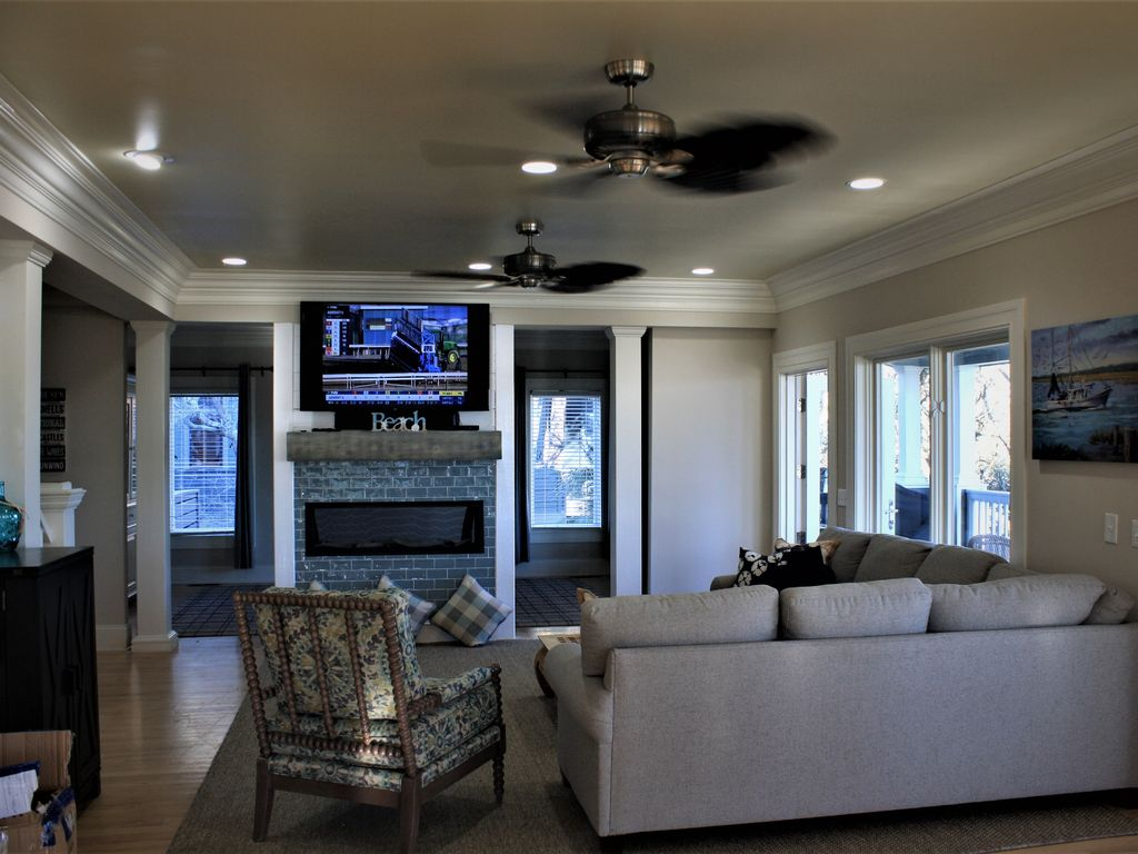 Family Room, New Furniture, See Through Gas Fireplace, Large TV and Views!