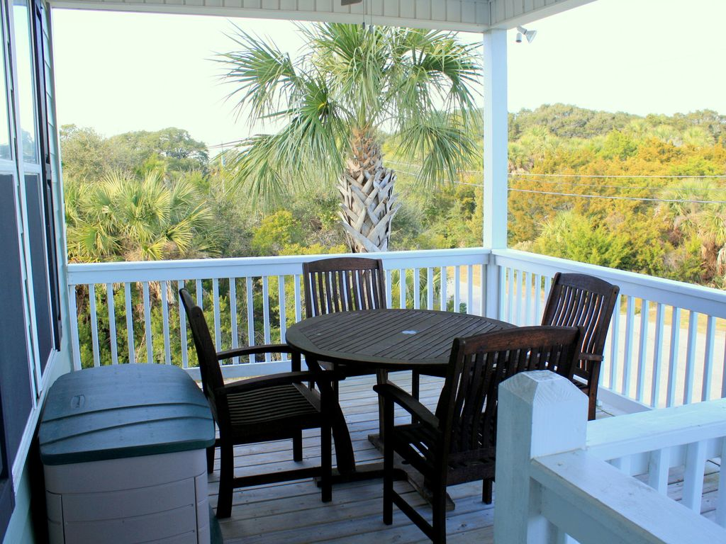 first floor front porch cafe table