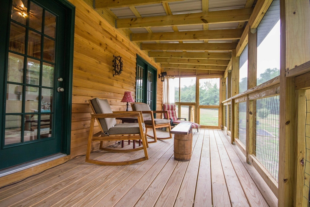 Screened-in porch for those Fall months where the pests come out