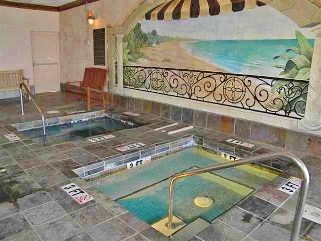 jacuzzi - indoor Jacuzzi an sauna