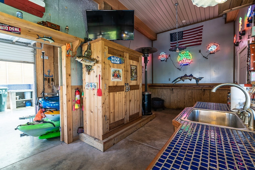 inside of the tiki bar- no gas heater included any longer