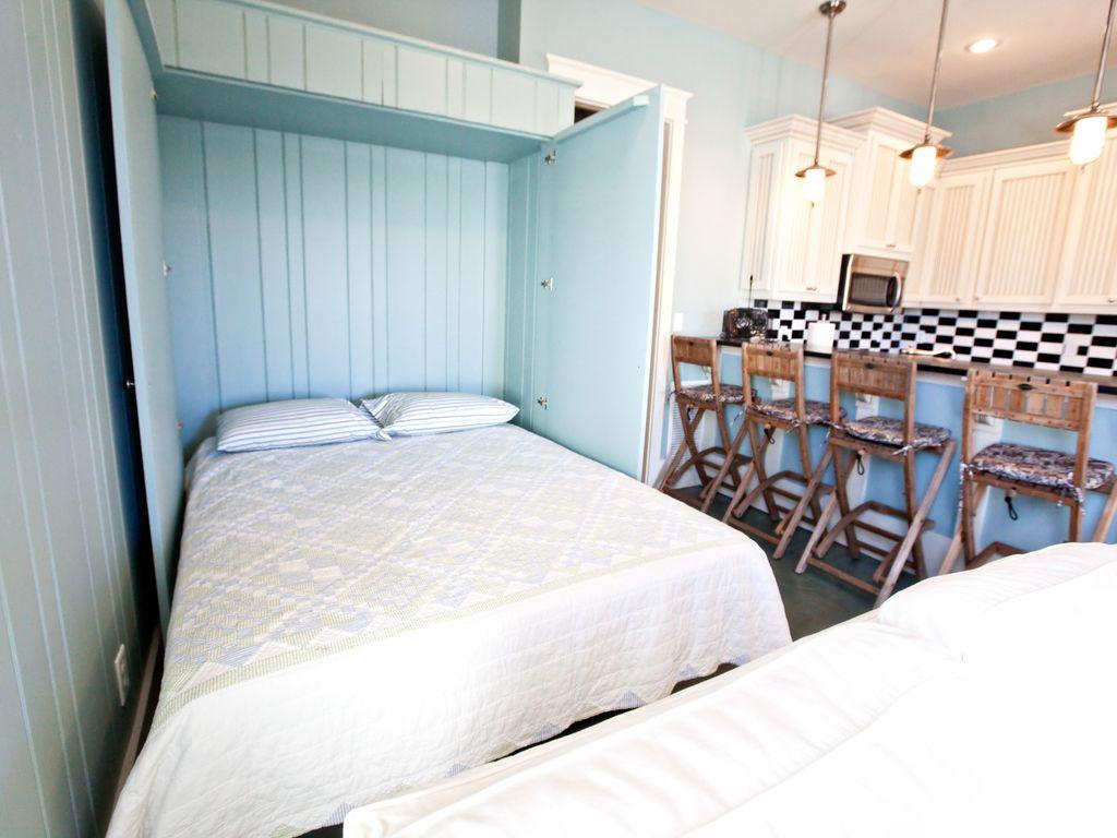 queen size Murphy bed in in law suite