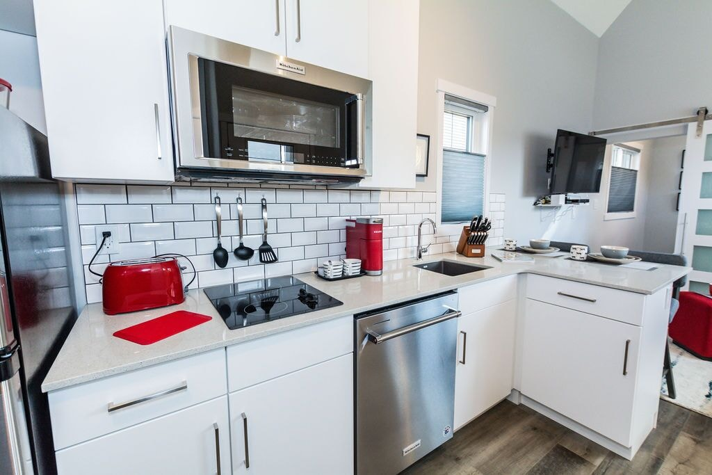 Kitchen includes a dishwasher!