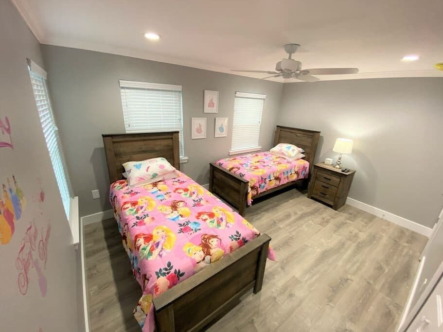 Princess Theme Bedroom with Luxury Twin Beds