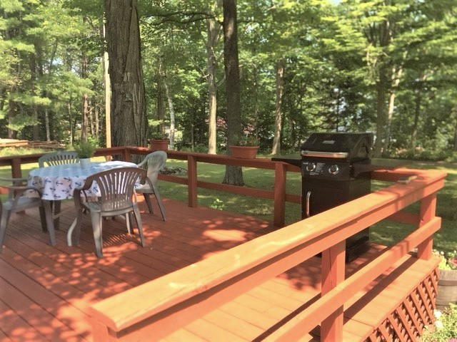 Spacious Deck with Gas BBQ