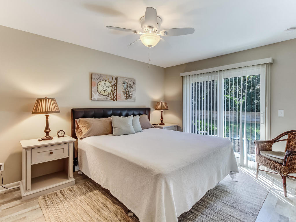 Master King Bedroom with Private Deck