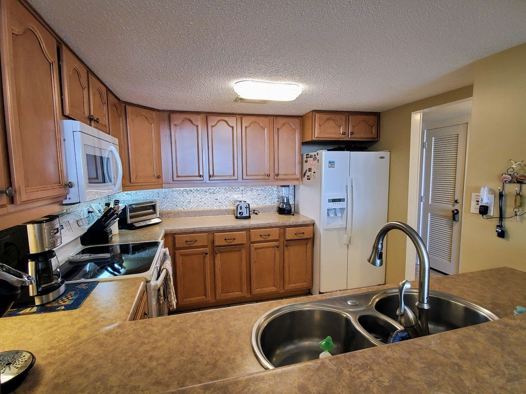 Newly Remodeled Kitchen With Cabinets, Counter Tops,Appliances & Fully Loaded