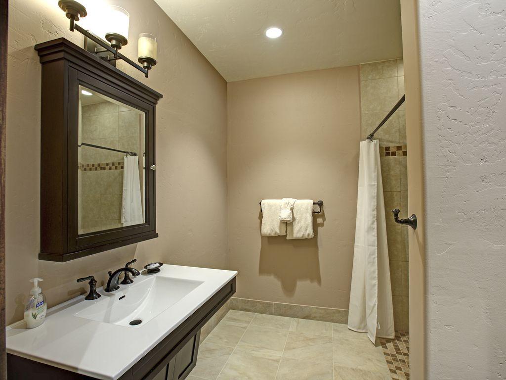 Bath 9 - Full bath for game room.