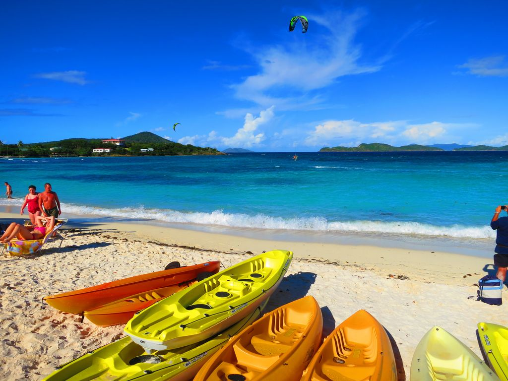 Sapphire Beach is for everyone - sunbathing, kayaking, kitesurfing...