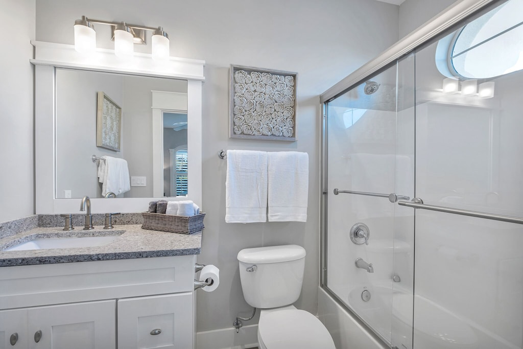 King bath with tub/shower combo
