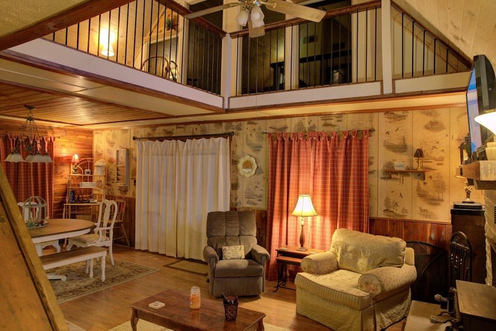 Cozy up in the open space Livingroom