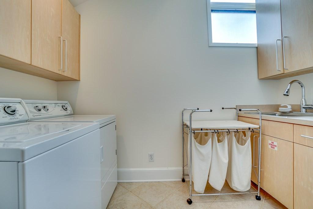 laundry area - 3rd floor