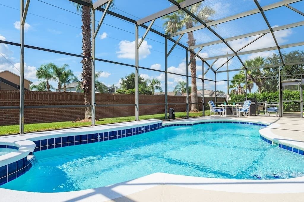 Beautiful South Facing Pool with Privacy