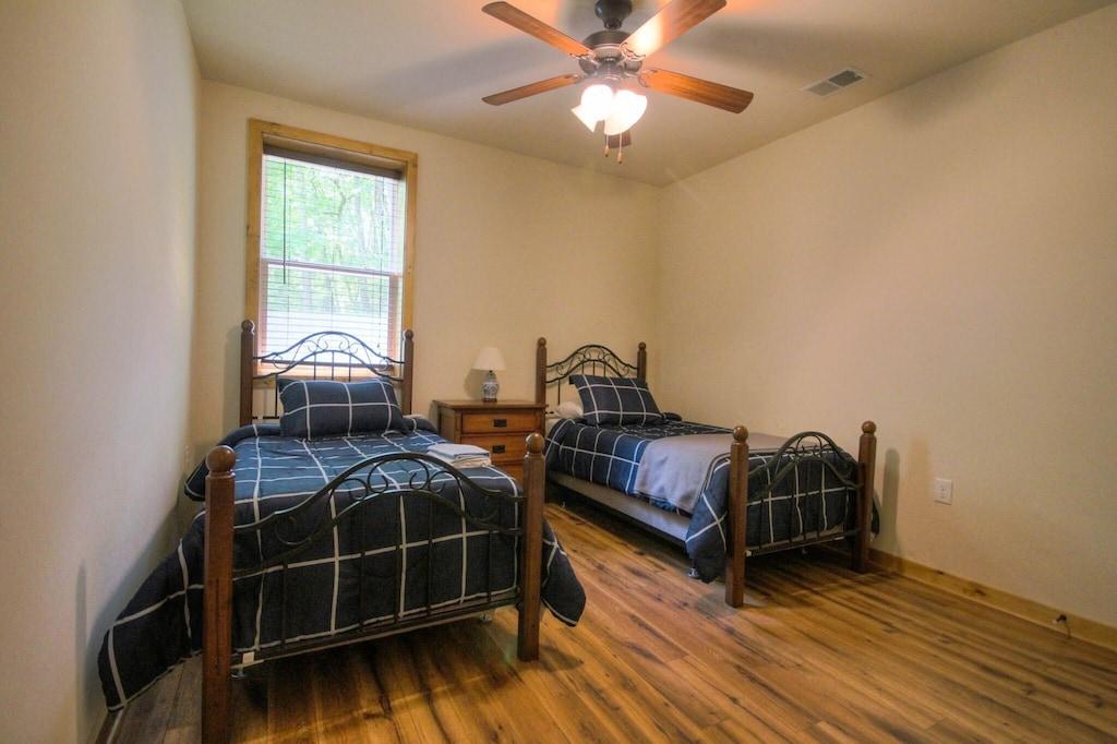 Third bedroom has 2 twin beds