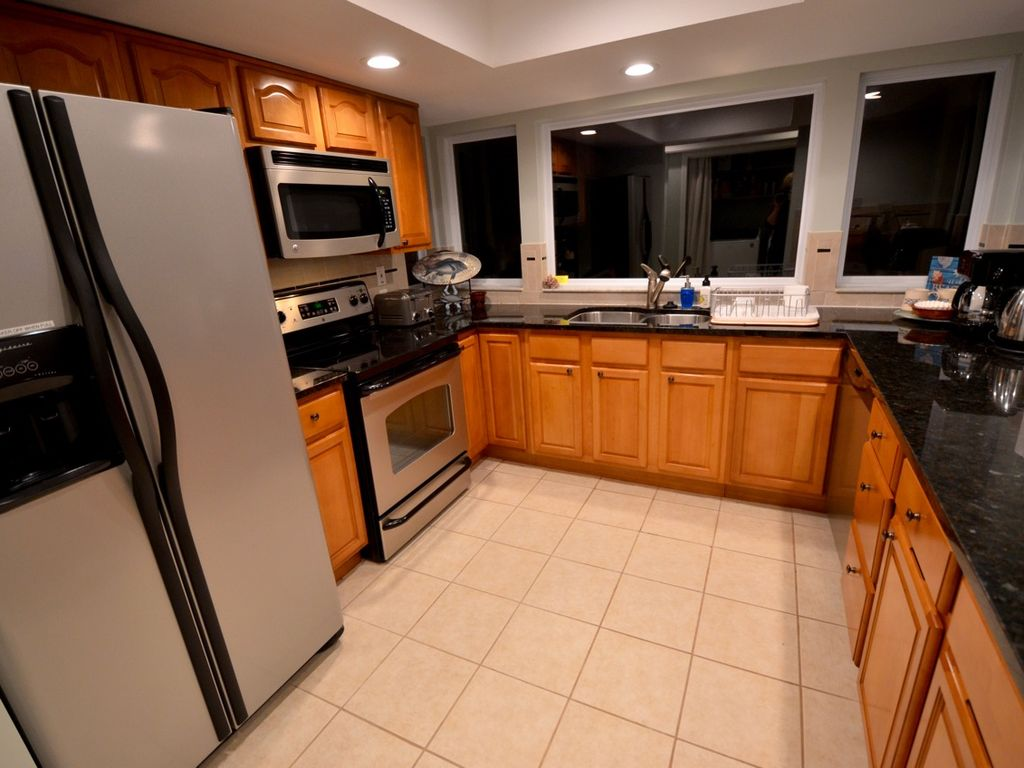 Fully stocked kitchen to enjoy your evenings at home.