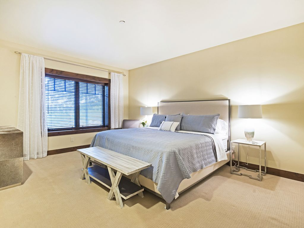 Master suite - king size bed, ensuite bath, laundry