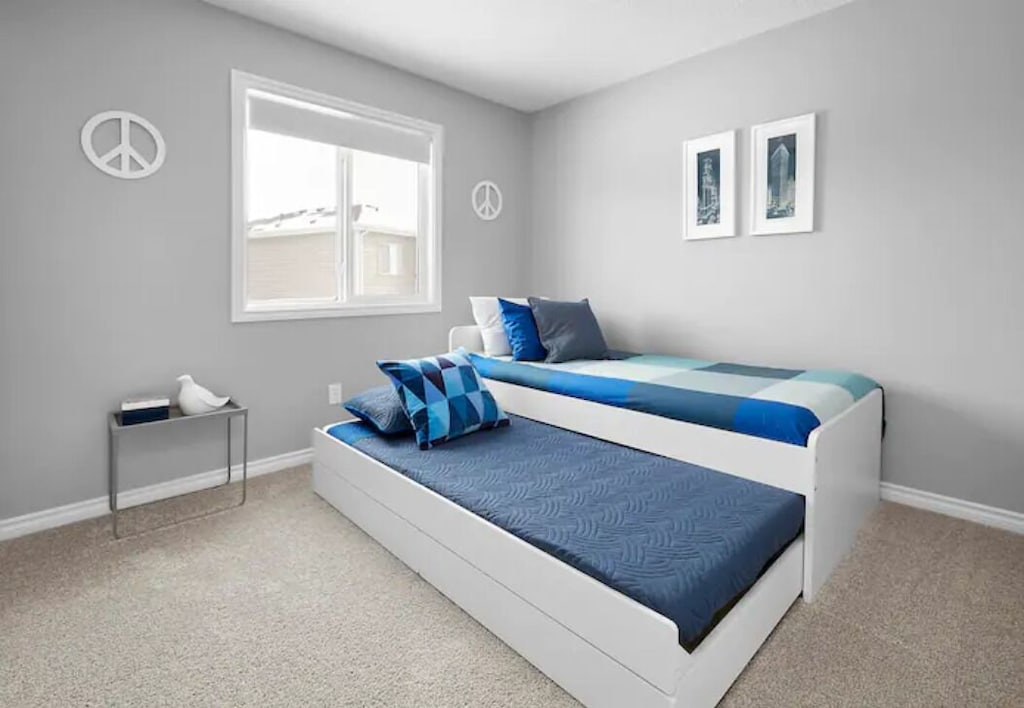 Nice trundle bed
