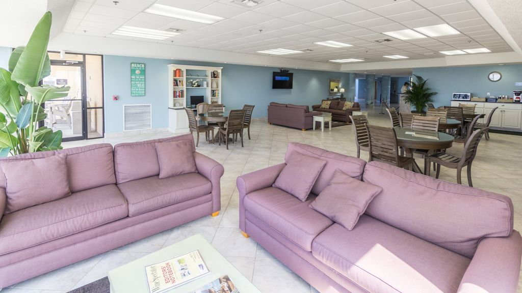 Lobby/Common Area/Lounge