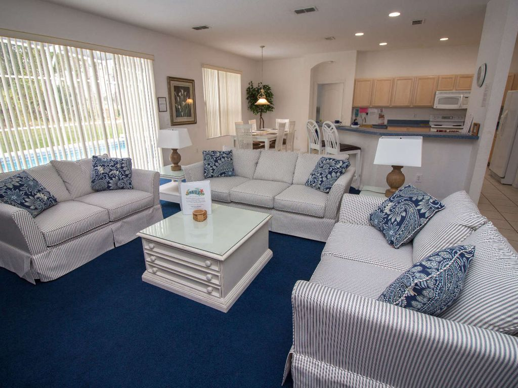 Beautiful Open Concept Living Room