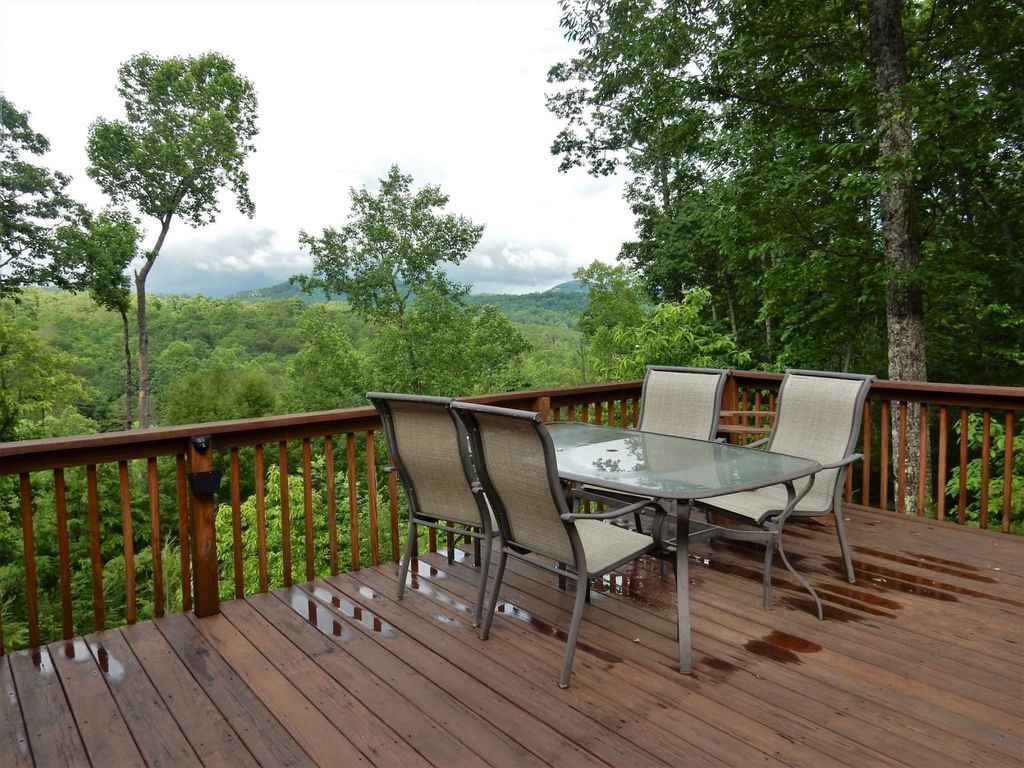 Large open deck to enjoy a meal or just relax with the Great View