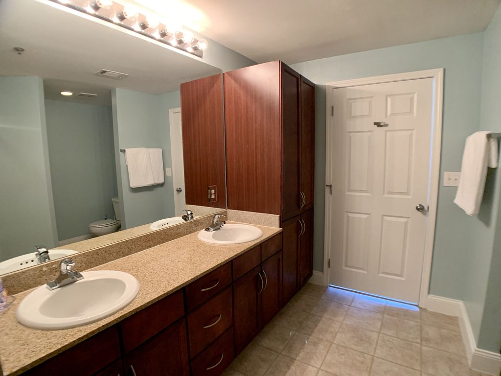 Double sinks in the master bathroom.