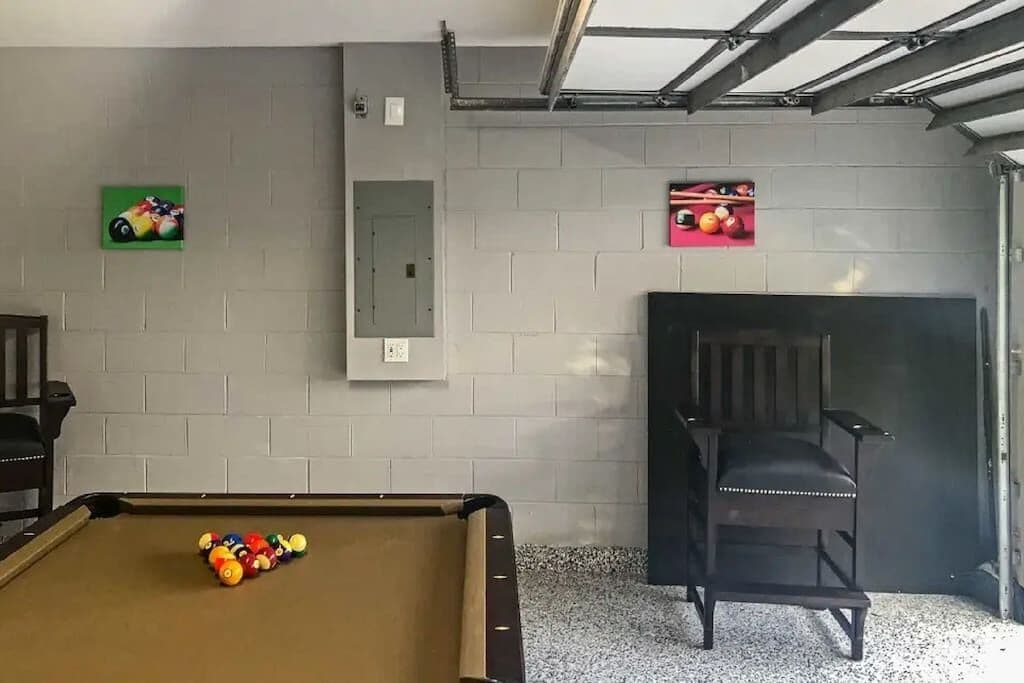 Games Room with Professional Pool Table and Ping Pong