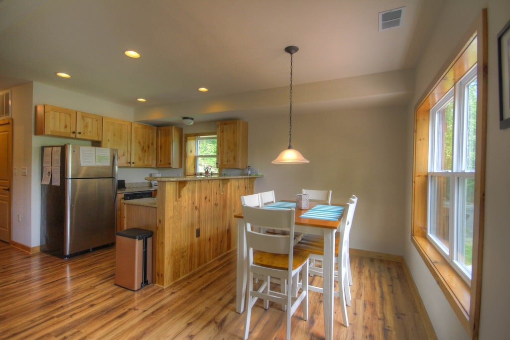 Spacious kitchen and dining room area