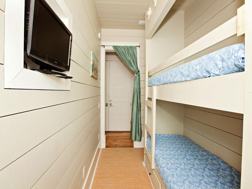 Second floor twin bunk room