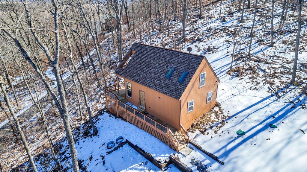 Brand new, cozy cabin